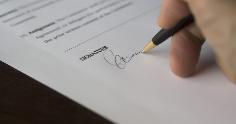 Do You Really Need a Courier Contract?